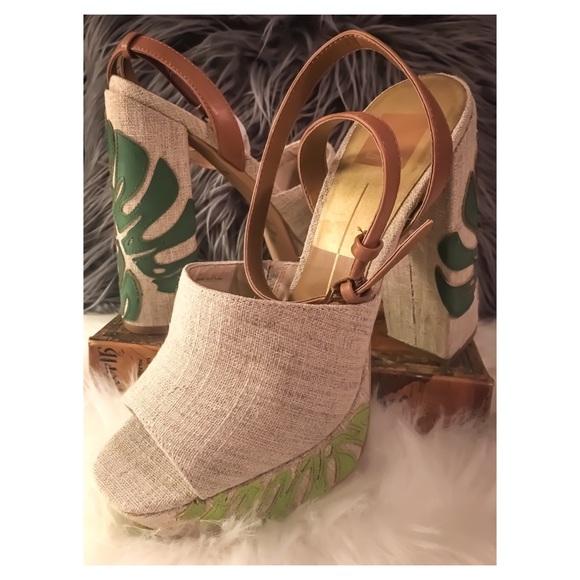 408fb6827a9d Dolce Vita Shoes -   SALE  NEW Dolce Vita Lando Platform Heels